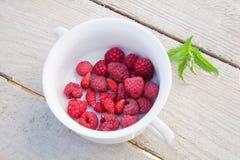 Φρέσκες σμέουρα και φράουλες Στοκ Φωτογραφία