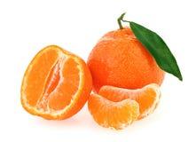 φρέσκες φέτες κάποιο tangerine σύ&nu Στοκ εικόνα με δικαίωμα ελεύθερης χρήσης