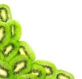 Φρέσκες φέτες φρούτων ακτινίδιων που απομονώνονται σε ένα λευκό Στοκ Εικόνες
