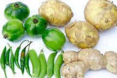 Φρέσκες φέτες φρούτων και λαχανικών στοκ εικόνα με δικαίωμα ελεύθερης χρήσης