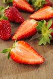 φρέσκες φράουλες φετών Στοκ Εικόνα
