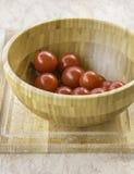 Φρέσκες juicy κόκκινες ντομάτες κερασιών στοκ εικόνες με δικαίωμα ελεύθερης χρήσης