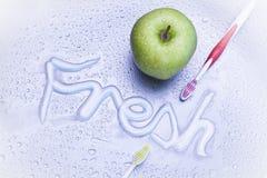 Φρέσκια αναπνοή και οδοντική προσοχή Στοκ φωτογραφία με δικαίωμα ελεύθερης χρήσης