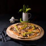 Φρέσκια και νόστιμη Peperoni πίτσα Στοκ φωτογραφίες με δικαίωμα ελεύθερης χρήσης