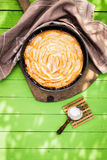 Φρέσκια κατ' οίκον ψημένη πίτα μήλων Στοκ Εικόνες