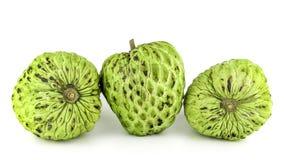 Φρέσκια κρέμα Apple ή ώριμα φρούτα Annona της Apple ζάχαρης, sweetsop απομονωμένος στο άσπρο υπόβαθρο Στοκ φωτογραφία με δικαίωμα ελεύθερης χρήσης