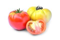 Φρέσκια κόκκινη και κίτρινη ντομάτα που απομονώνεται στο άσπρο υπόβαθρο Στοκ εικόνες με δικαίωμα ελεύθερης χρήσης