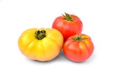 Φρέσκια κόκκινη και κίτρινη ντομάτα που απομονώνεται στο άσπρο υπόβαθρο Στοκ φωτογραφία με δικαίωμα ελεύθερης χρήσης