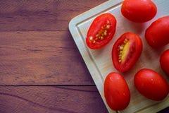 Φρέσκια κόκκινη ντομάτα κερασιών Στοκ Φωτογραφίες