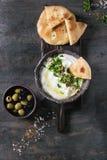 Φρέσκια λιβανέζικη εμβύθιση τυριών κρέμας Labneh στοκ εικόνες
