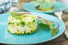Φρέσκια μικτή σαλάτα με τα αυγά Στοκ εικόνα με δικαίωμα ελεύθερης χρήσης