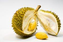 Φρέσκια περικοπή Durian στο άσπρο υπόβαθρο, μια άποψη κινηματογραφήσεων σε πρώτο πλάνο Durian, πολτός Durian, Durian D158 στοκ φωτογραφίες με δικαίωμα ελεύθερης χρήσης