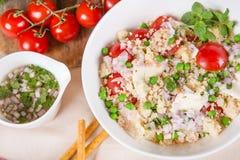 Φρέσκια σαλάτα κουσκούς με τα λαχανικά Στοκ εικόνες με δικαίωμα ελεύθερης χρήσης