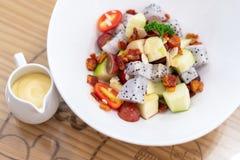 Φρέσκια σαλάτα νωπών καρπών σαλάτας υγιής στοκ εικόνες