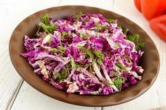 Φρέσκια σαλάτα βιταμινών του κινεζικού λάχανου και των πρασίνων Στοκ φωτογραφία με δικαίωμα ελεύθερης χρήσης