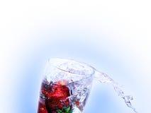 φρέσκια φράουλα ποτών στοκ φωτογραφία