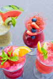 Φρέσκοι θερινοί fruity καταφερτζήδες Στοκ εικόνες με δικαίωμα ελεύθερης χρήσης