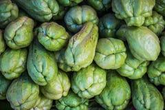 Φρέσκοι φυσικός και οργανικός chayote των φρούτων Στοκ Εικόνες