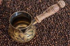 Φρέσκος, καφές ενδυνάμωσης με τη σοκολάτα Στοκ Φωτογραφία