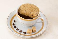 Φρέσκος καφές με την κρέμα Στοκ Εικόνα