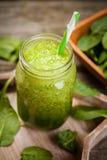 Φρέσκος πράσινος καταφερτζής στοκ φωτογραφίες
