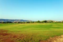 Φρέσκος πράσινος του τομέα γκολφ Στοκ εικόνα με δικαίωμα ελεύθερης χρήσης