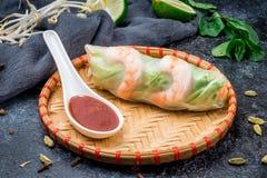 Φρέσκος ρόλος ανοίξεων με τις γαρίδες, βιετναμέζικα τρόφιμα Στοκ εικόνα με δικαίωμα ελεύθερης χρήσης