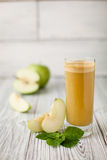 Φρέσκος χυμός της Apple Στοκ εικόνες με δικαίωμα ελεύθερης χρήσης