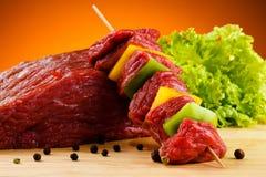 Φρέσκο ακατέργαστο βόειο κρέας Στοκ Φωτογραφίες