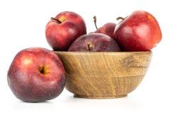 Φρέσκο ακατέργαστο κόκκινο μήλων - εύγευστος που απομονώνεται στο λευκό Στοκ Εικόνες
