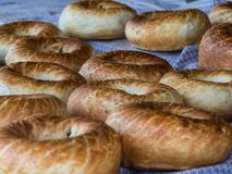 Φρέσκο ακριβώς γίνοντα άσπρο ψωμί Στοκ Εικόνα