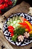 φρέσκο απομονωμένο λευκό λαχανικών πιάτων ανασκόπησης Στοκ Εικόνα