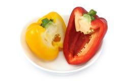 φρέσκο απομονωμένο λευκό πιπεριών κουδουνιών ανασκόπησης Στοκ Εικόνες