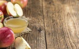 Φρέσκο γίνοντα applesauce Στοκ Εικόνες