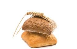 Φρέσκο ιταλικό ciabatta ψωμιού με τα αυτιά του σίτου Στοκ Φωτογραφίες