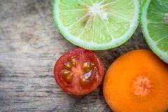 Φρέσκο καρότο ντοματών λεμονιών Στοκ Εικόνες
