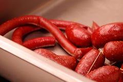 Φρέσκο λουκάνικο και λουκάνικο χοιρινού κρέατος, καθαρός και έτοιμος να μαγειρευτεί Στοκ Εικόνα