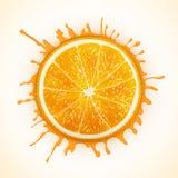 Φρέσκο πορτοκάλι με τον παφλασμό Στοκ Φωτογραφία