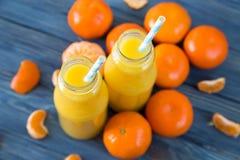 φρέσκο πορτοκάλι χυμού επάνω από το απομονωμένο tangerine χυμού λευκό όψης Στοκ φωτογραφία με δικαίωμα ελεύθερης χρήσης