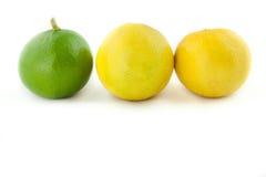 Φρέσκο πράσινο λεμόνι που απομονώνεται στο άσπρο υπόβαθρο Στοκ εικόνες με δικαίωμα ελεύθερης χρήσης