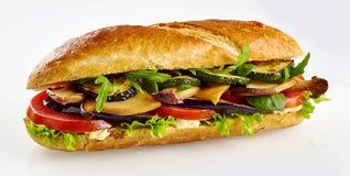 Φρέσκο σάντουιτς baguette με τα λαχανικά στοκ εικόνα