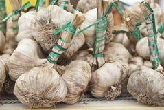 Φρέσκο σκόρδο για την πώληση Στοκ εικόνες με δικαίωμα ελεύθερης χρήσης