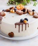 Φρέσκο σπιτικό κέικ με τα μανταρίνια για το νέο κόμμα έτους Στοκ Εικόνα