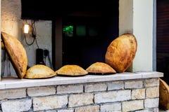 Φρέσκο στρογγυλό ψωμί που ψήνεται στο φούρνο Κροατία στοκ φωτογραφίες με δικαίωμα ελεύθερης χρήσης