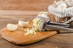 Φρέσκο συντριμμένο σκόρδο Στοκ εικόνες με δικαίωμα ελεύθερης χρήσης