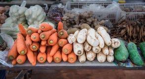 Φρέσκο συστατικό τροφίμων στην τοπική αγορά Στοκ Εικόνες