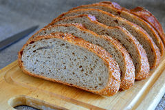 Φρέσκο τεμαχισμένο ψωμί Στοκ Φωτογραφίες