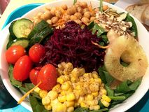 Φρέσκο υπόβαθρο σαλάτας μιγμάτων φυτικό Στοκ φωτογραφία με δικαίωμα ελεύθερης χρήσης