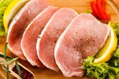 φρέσκο χοιρινό κρέας ακατέ&r Στοκ εικόνες με δικαίωμα ελεύθερης χρήσης