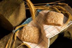 Φρέσκο ψωμί με τις ώριμες λεπίδες δημητριακών Στοκ Εικόνα